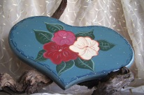 https://www.etsy.com/listing/384725302/country-cottage-art-wooden-heart?ref=shop_home_active_18