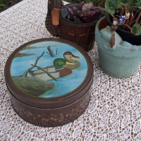 https://www.etsy.com/listing/507009601/old-round-tin-mallard-ducks-landscape?ref=shop_home_active_16