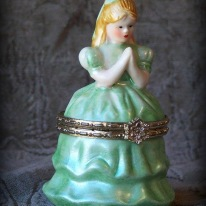 praying girl trinket box