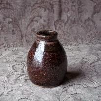 TA-DA pottery jar