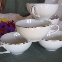 https://www.etsy.com/listing/477547997/fine-china-tea-cups-set-of-six-white?ref=shop_home_active_3