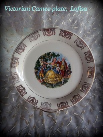 Colonial scene decorative plate