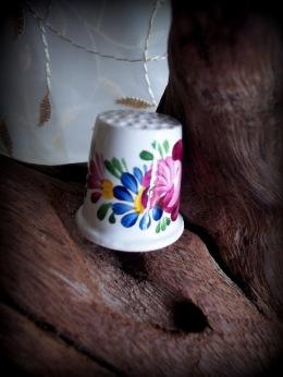 ceramic floral pattern thimble