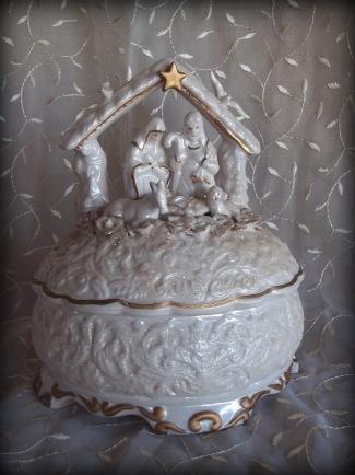 Ceramic Nativity scene Music Box