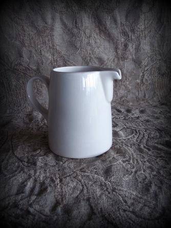 ceramic creamer