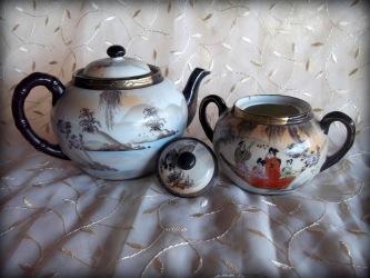 Japanese teapot & sugar bowl