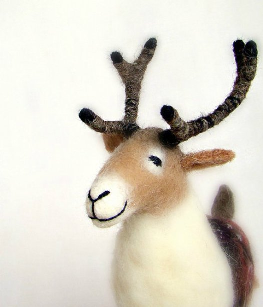 https://www.etsy.com/listing/164145233/christmas-reindeer-anderson-felt-toy-art?ref=related-5