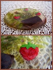 https://www.etsy.com/listing/487825734/shabby-chic-acrylic-trivet-strawberry?ref=shop_home_active_3