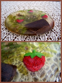 https://www.etsy.com/listing/487825734/shabby-chic-acrylic-trivet-strawberry?ref=shop_home_active_3